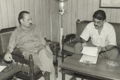 صور الشهيد القائد ابو علي مصطفى خلال فعاليات ومهرجانات مختلفة (87)