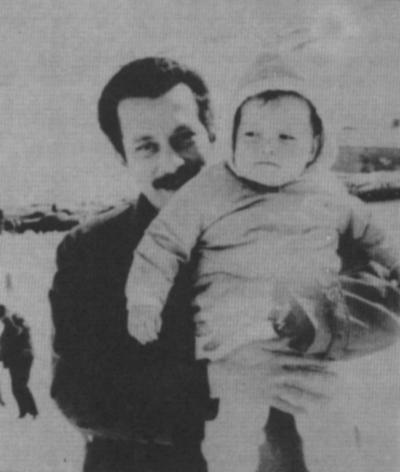 صور نادرة للشهيد القائد غسان كنفاني  (25)