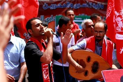 طلائع غسان كنفاني وجبهة العمل الطلابي في اسنادهم للاسرى _ تصوير خالد ابوالجديان (29084580) 